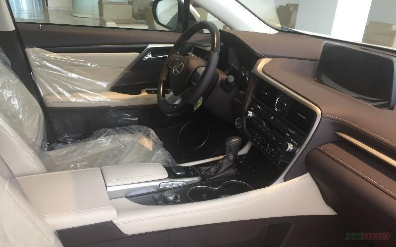 lexus rx200t với lựa chọn nội thất màu kem