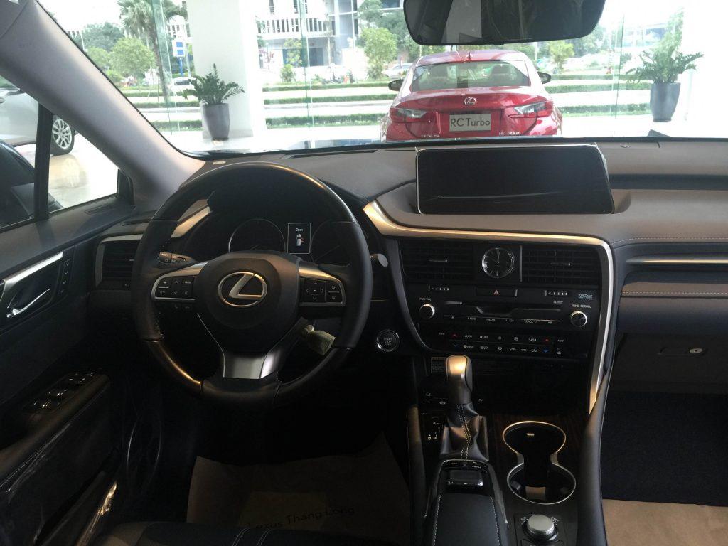 Nội thất Lexus RX350 tinh tế hiện đại