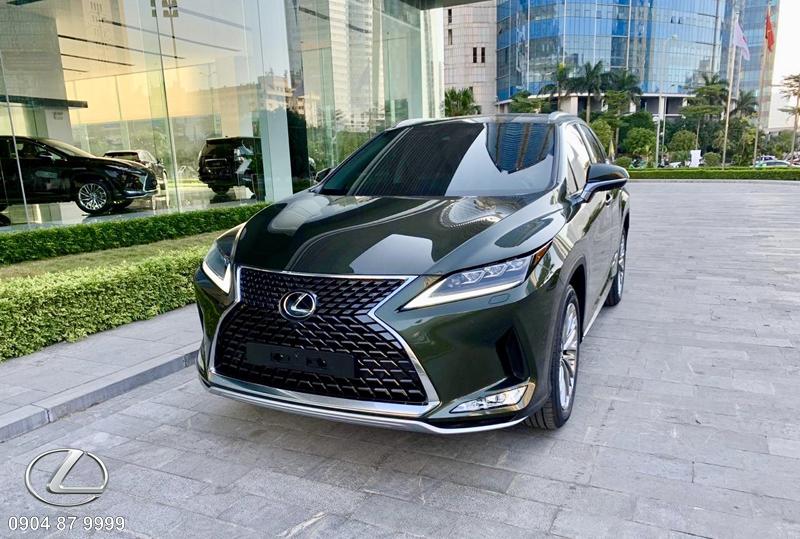 Bộ ốp cản trước được Lexus trang bị thêm cho RX350 giúp tăng diện mạo trẻ trung và bắt mắt