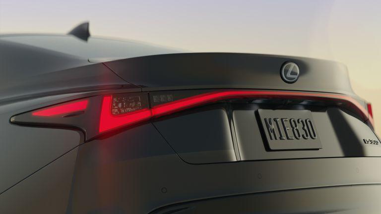 """Dải đèn LED kéo dài khắp chiều đuôi xe trông cực """"ngầu"""""""