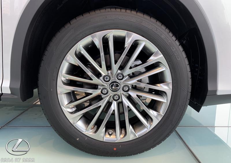 Mâm đúc 20 inch 10 chấu kép trang bị 5 cảm biến ấp xuất cho lốp