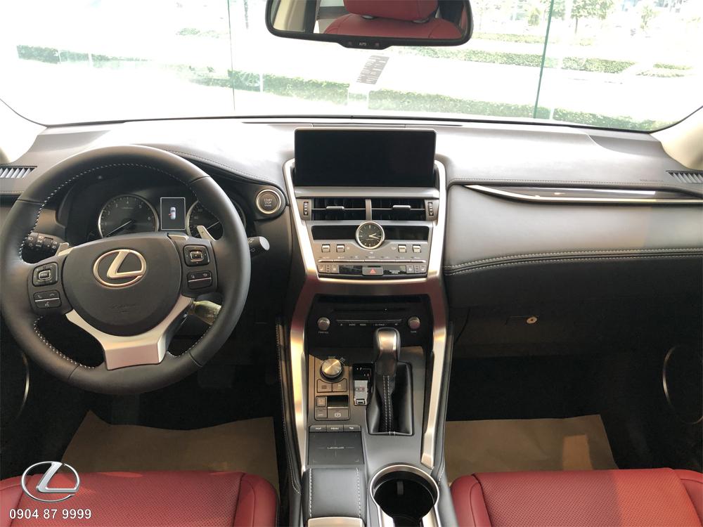 Nội thất xe Lexus NX300 2020 2021