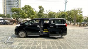 Thân xe Lexus LM350 2021