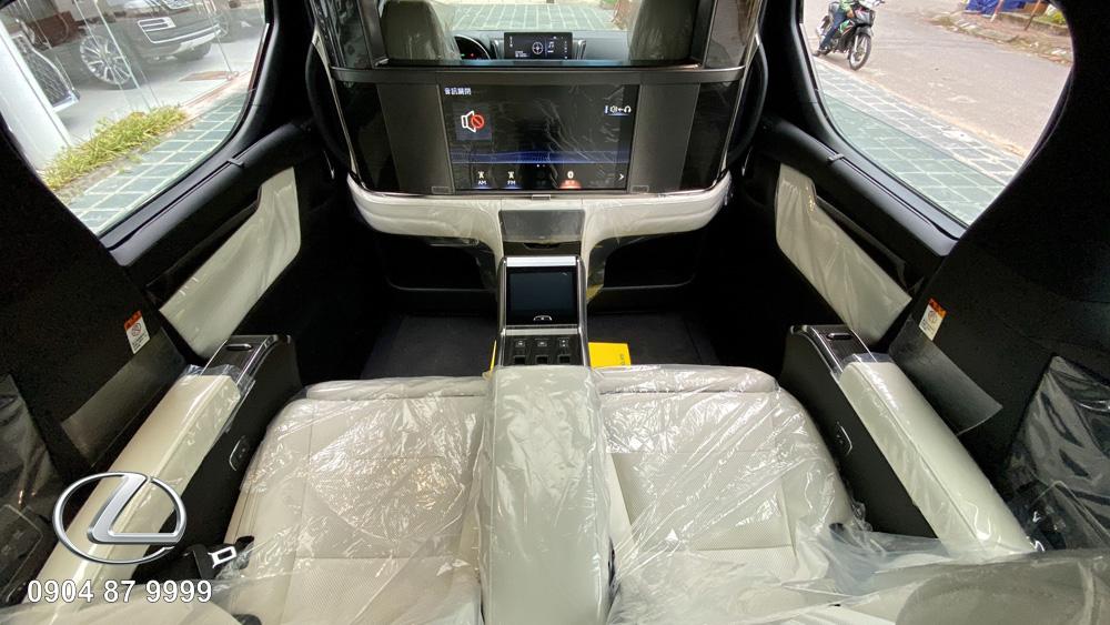 Lexus LM350 2021 2022